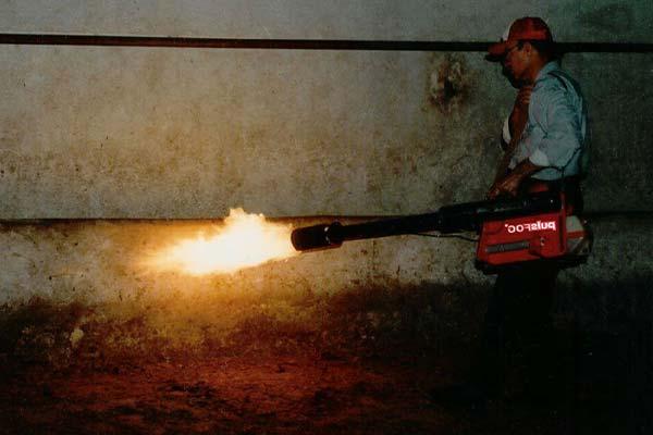 ضدعفونی سالن مرغداری با شعله دادن - فروشگاه چیکن دیوایس
